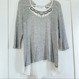 SALE 🥳 Maurices Long Sleeve Grey Blouse Medium